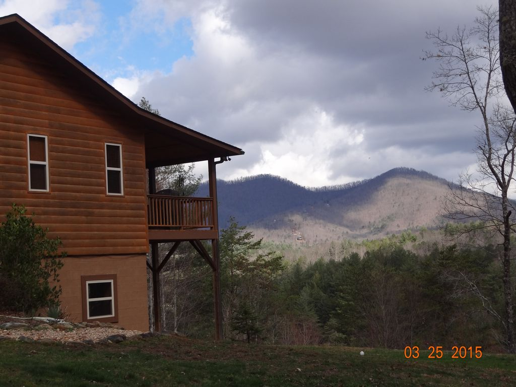Mountain view cabin family friendly hot t vrbo for Table rock nc cabins