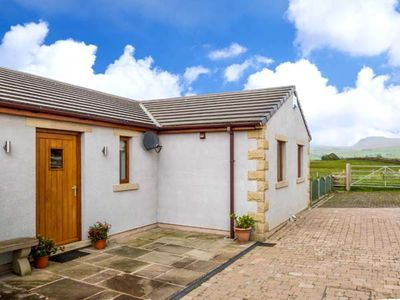 Photo for INGLEBOROUGH VIEW, family friendly in High Bentham, Ref 7653