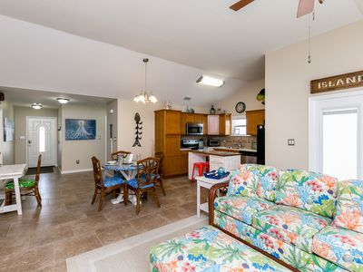 Photo for Cute, Coastal Port Aransas Condo – Perfect for Families!