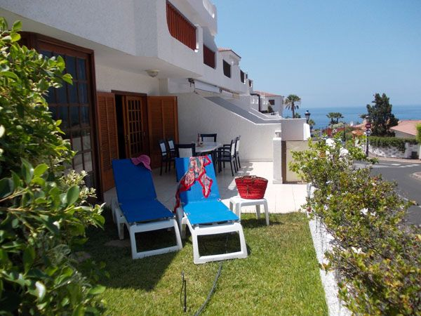 Downstairs 2 bedroom/2 bathroom apartment in Crab Island Los Gigantes
