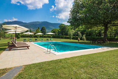 Pool in holiday apartment Stallino close to Lucca. Childfriendly flat garden.