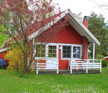 Photo for Comfortable Sweden house, beach on the lake, entrance Müritz National Park
