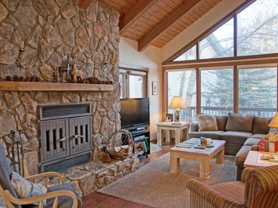 Photo for Spacious Duplex with Unbeatable Prices! Walking distance to the Cascade Chairlift