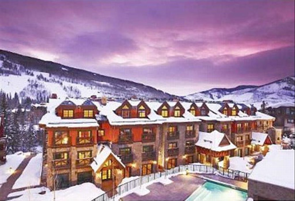 Fantastic vail village location luxurious vrbo for Cabin rentals near vail colorado