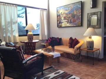 2nd Floor Casita with Panoramic Mountain and Lake Views