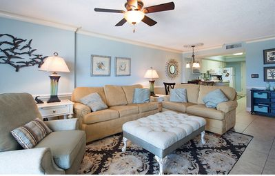 Treat yourself to this Professionally Decorated Beautiful Luxury Environment!!