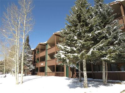 Photo for Pet Friendly on Park with Mountain Views. Easy Drive to Slopes. Walk or Drive to Dining, Shops