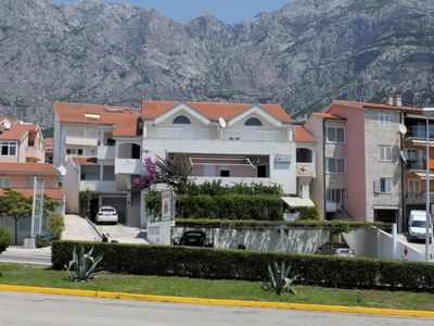Photo for Studio flat with terrace and sea view Makarska (AS-6696-c)