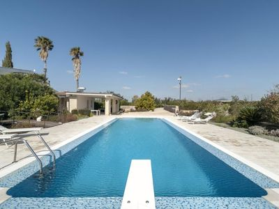 Photo for One bedroom Villa, sleeps 2 in Parati with Pool and Air Con