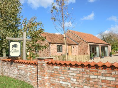Photo for THE COTTAGE AT GRANGE FARM BARNS in Hemingby, Lincolnshire, Ref 992782