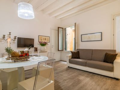 Photo for In Venice, two steps from Rialto, an elegant apartment.