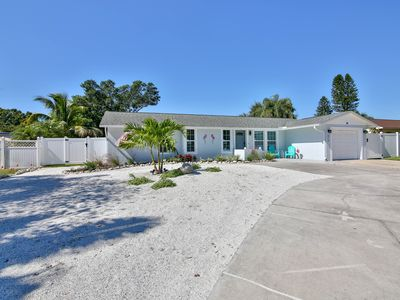 Photo for Heated saltwater pool, lake view, just minutes to the beaches of Anna Maria