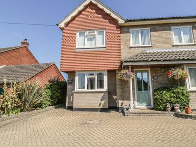 Photo for THE ANNEXE, with a garden in Wrentham, Ref 989557