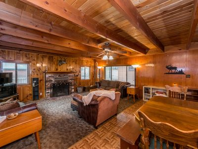Photo for Cozy cabin with free WiFi, full kitchen & wood fireplace - close to the lake!
