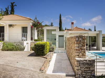 Photo for Luxury 3 bed 3 bathroom contemporary villa with swimming pool, outstanding views