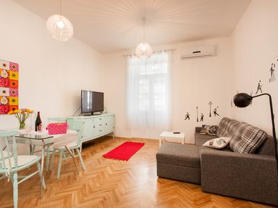 Photo for Comfortable apartment for 5 persons, less than 5 minutes from the city centre