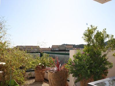 Photo for Air-conditioned apartment on the top floor in the city center