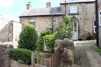 A simply beautiful 18th century detached stone cottage, lovingly restored.