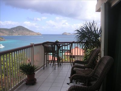 Chateau Relaxo offers amazing views; Secluded decks welcome U to private oasis