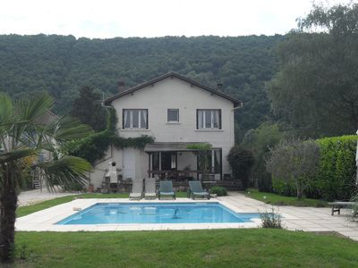 Photo for Family home with swimming pool near Souillac in the Dordogne valley