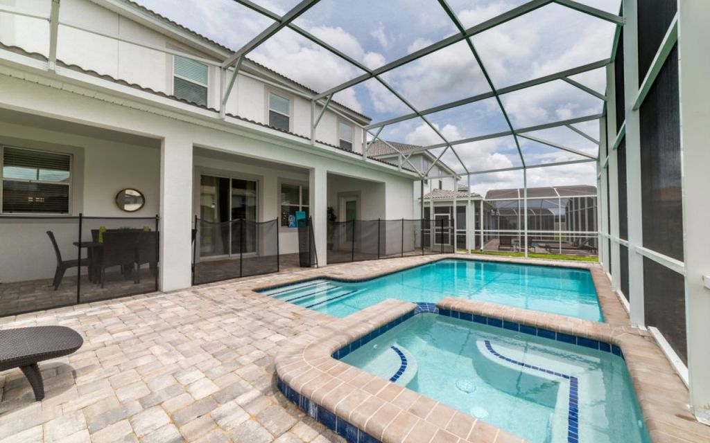 Championsgate 100 - Premium villa with private pool & game room near Disney - Six Bedroom House, Sleeps 12