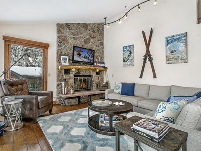 Photo for 3 BR / 3 BA condo in Vail, Sleeps 9