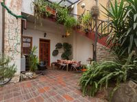 It is a fantastic apartment, we enjoyed our stay very much despite the small disturbances at the