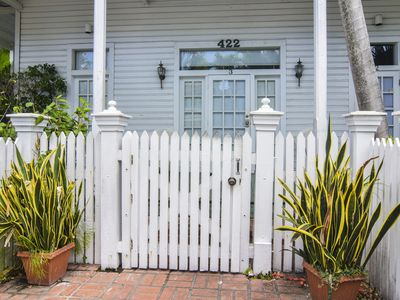Photo for La Casa de Luna- Steps from the Beach and Duval - Sleeps up to 4