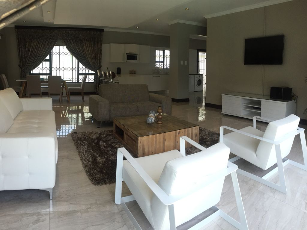 Ultra modern and luxurious self catering villa- safe and secure, central