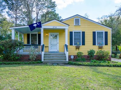 Photo for GRADUATIONS WELCOME!! Bayside Bungalow Close Proximity to Downtown Beaufort and Parris Island