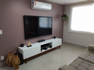 Photo for Modern and comfortable room and bedroom in Ipanema.