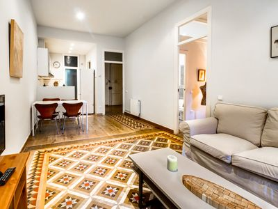 Photo for Cosy comfortable 1 bed with terrace in Eixample