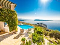 A beautiful, well-equipped villa in a fantastic location.