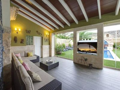Photo for Private pool, Jacuzzi, Wifi, Air conditioning, Barbecue, 8 TV,
