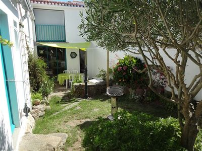 Photo for house with floor. 3 bedrooms, garden with courtyard, harbor joinville