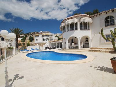 Photo for Gorgeous holiday home with private pool and beautiful sea views