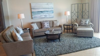 living room - Turquoise Place C-2205 cozy relaxing living room