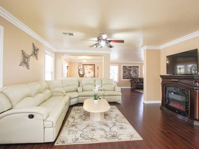 Photo for Spacious, minutes to the Strip and airport