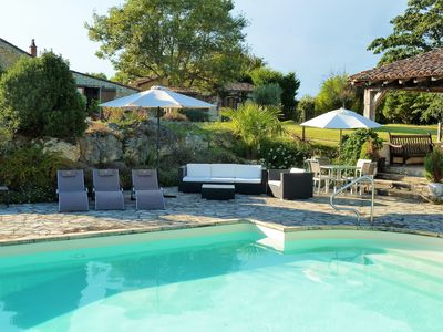Photo for Charming Country Cottage With Large Heated Pool In Monbazillac, Nr Bergerac