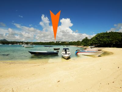 Photo for The Roucas 2 foot in the water, ile aux de la 15 min, free wifi, swimming pool