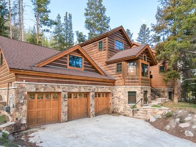 Photo for 6BR/6.5BA Luxury Mountain Estate w/ Hot Tub, Home Theatre, 5 Fireplaces & Spa
