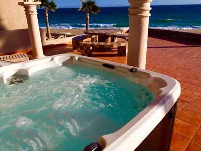 4 person jacuzzi with an ocean view. What more can one want?