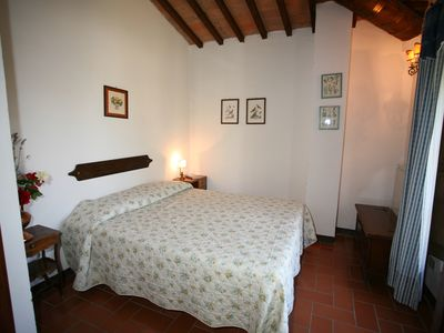 Photo for Lovely apartment in tuscany farmhouse with swimming pool, WiFi