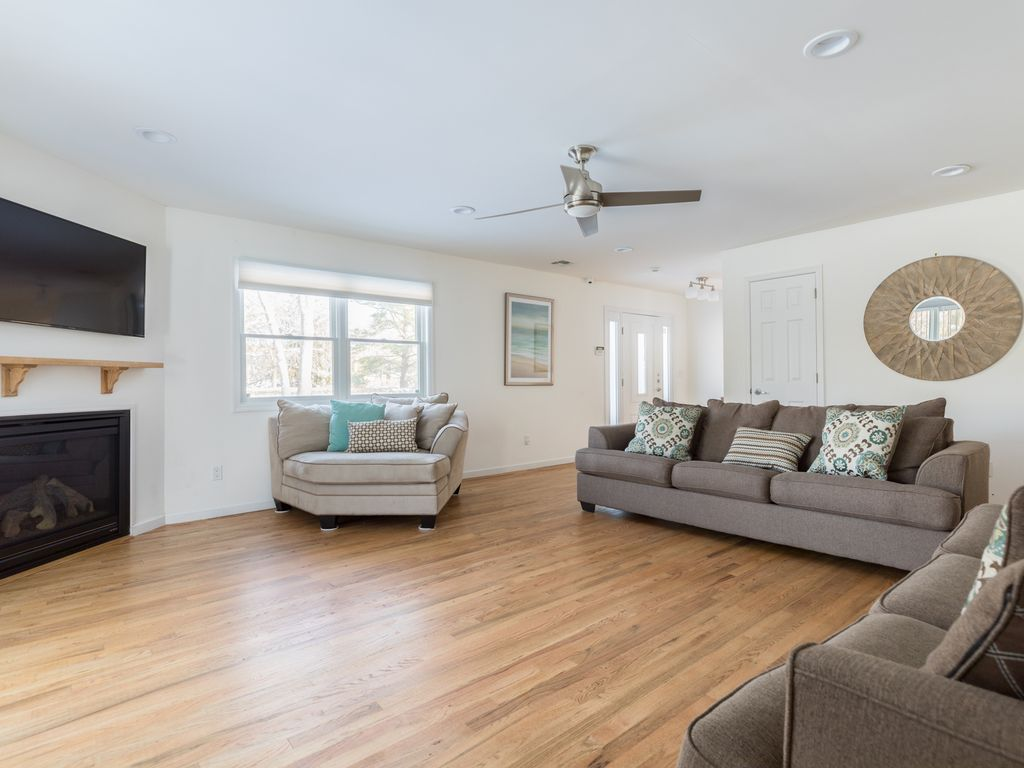 Hamptons Haven w/Serene Views!Heated... - HomeAway Westhampton Beach