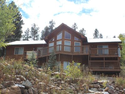 ThunderRidge-Spacious Cabin in Deadwood Near Trolley Stop, Minutes from Downtown