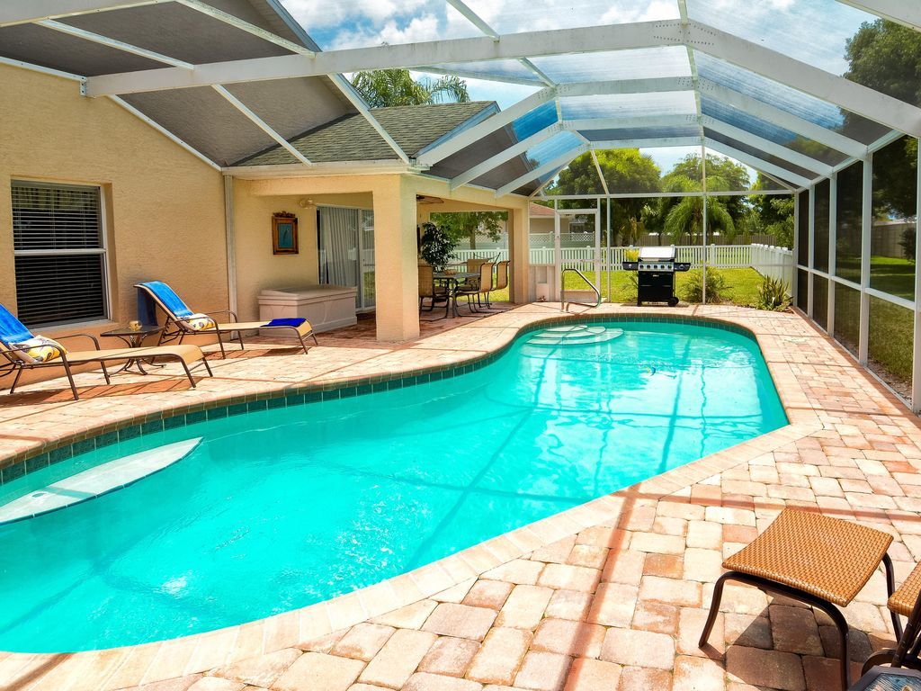 Dream house with a sunny pool close to fort myers beach - Sunny beach pools ...