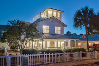 Welcome home to Paradise Cottage at Crystal Beach in Destin, FL!