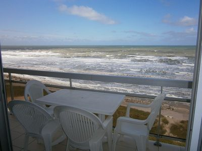 Photo for Studio with large cabin, balcony, seafront promenade, 4 pers