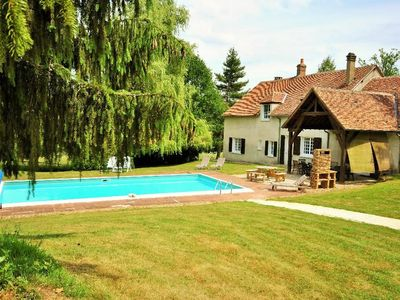 Photo for House in Dampierre-sous-Bouhy with Pool, Washing machine (666693)