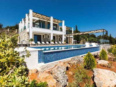 Photo for Deluxe Villa with breathtaking sea views, 4BD, 4BA, large ozone pool and bbq